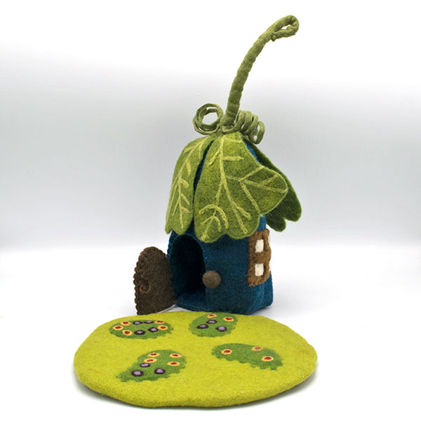 Oak Leaf Fairy House and Mat