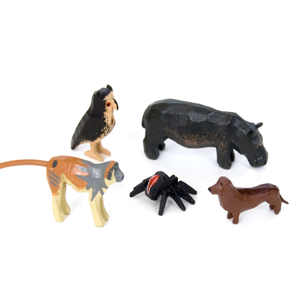 Folk Art Carved Animals And Figures From Erzgebirge At The Wooden Wagon